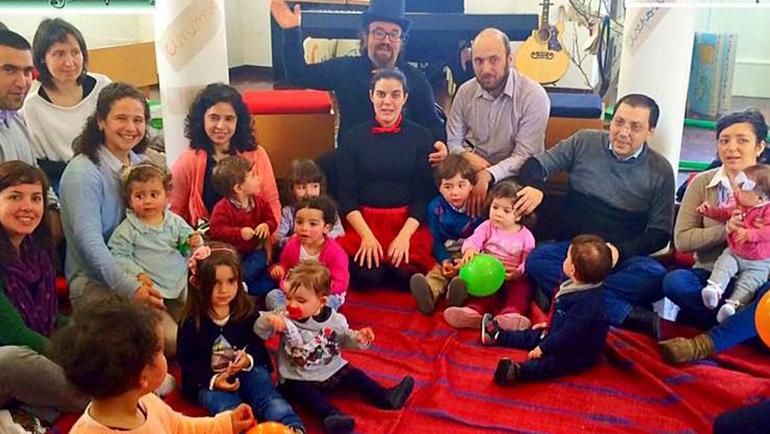 """Biblioteca Municipal de Penafiel dinamizou atividade """"Música com Bebés e Papás"""""""