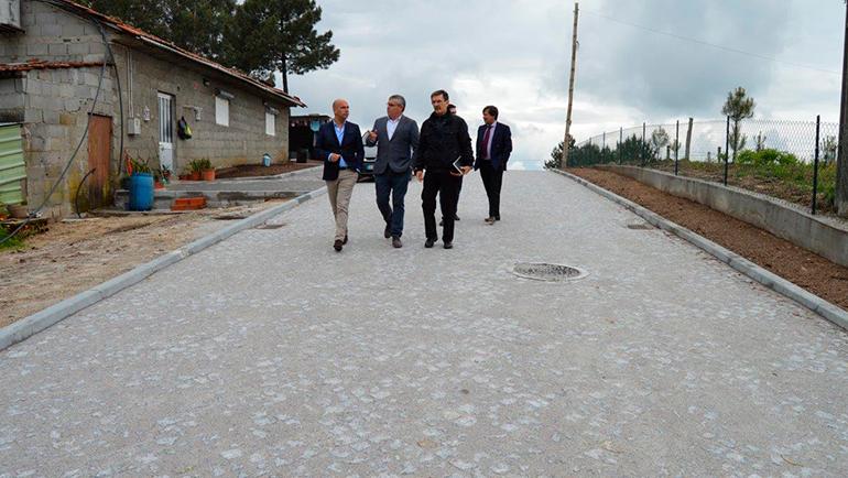 Presidente da Câmara de Penafiel visita obras na freguesia de Croca