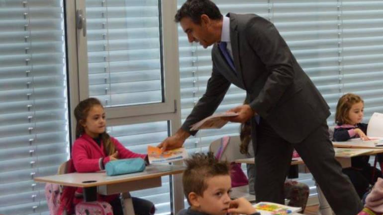 Câmara de Penafiel oferece livros escolares aos agrupamentos de escola