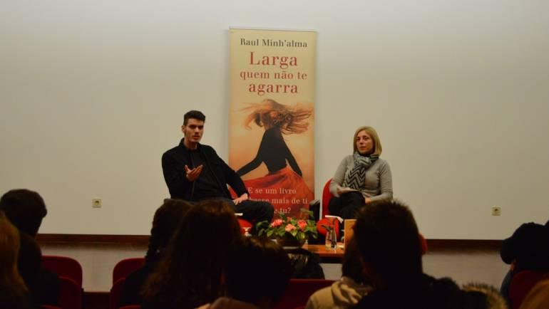 Raúl Minh'alma apresentou novo livro em Penafiel