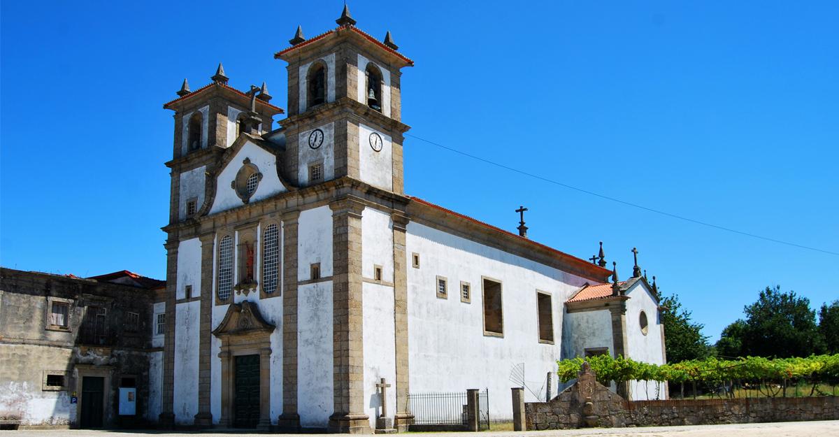 visitar-monumentos-Mosteiro de S Miguel de Bustelo