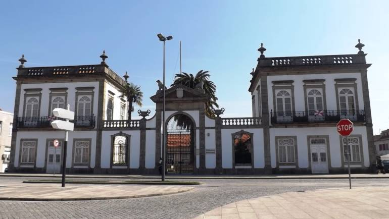 """""""MÚSICA PARA BEBÉS E PAPÁS"""", NA BIBLIOTECA MUNICIPAL"""