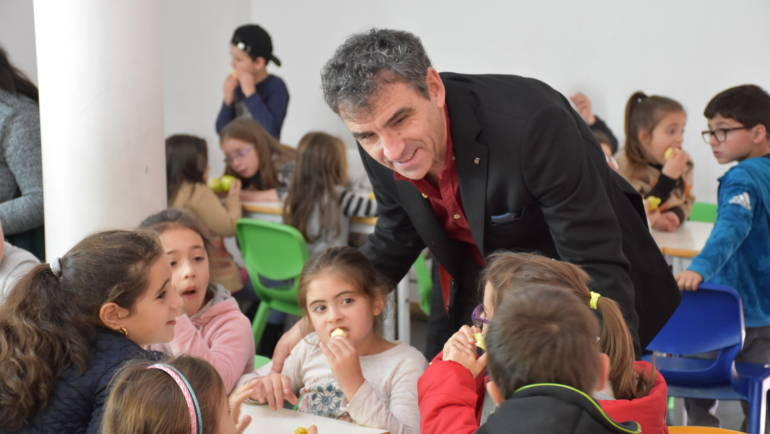 CÂMARA DE PENAFIEL CONTINUA A PROMOVER CONSUMO DE FRUTA NAS ESCOLAS