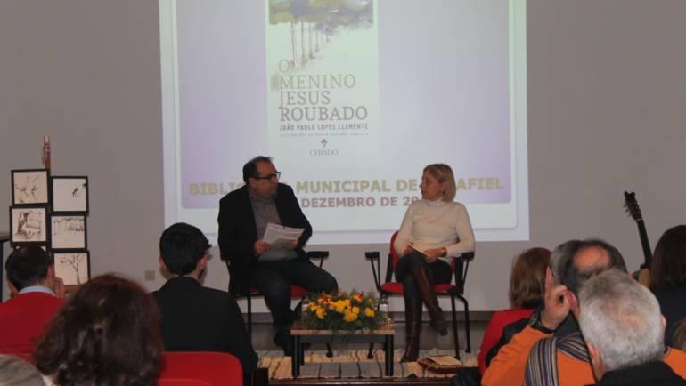 JOÃO PAULO LOPES CLEMENTE APRESENTOU LIVRO NA BIBLIOTECA DE PENAFIEL